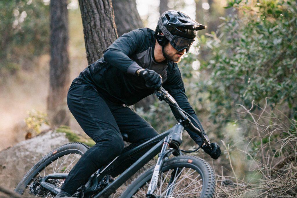 giro x bicycle nightmares - the outsider